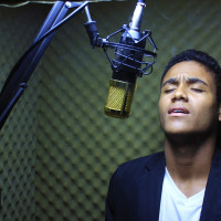 microphone-3500699_1920